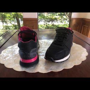 4cbe17638fc4 Authentic Louis Vuitton Men s run away sneakers